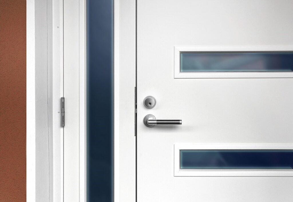 врата със сигурна брава